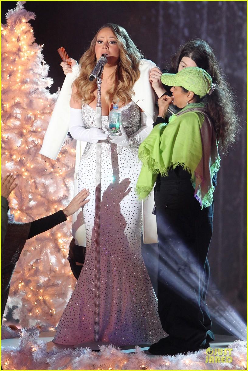 mariah carey rockfeller center christmas tree lighting 2013 performer 31