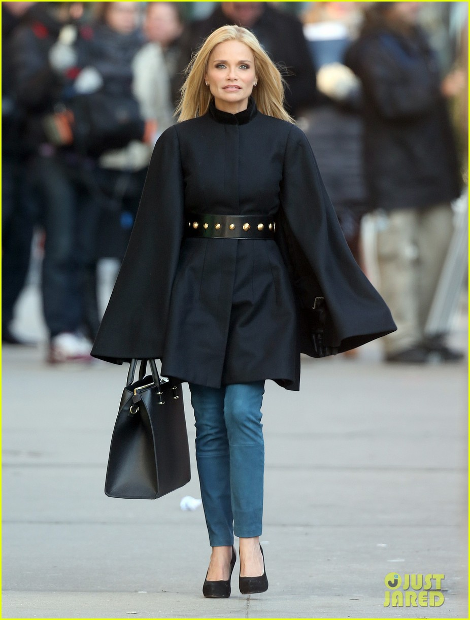 kristin chenoweth makes fashion statement at photo shoot 043013638