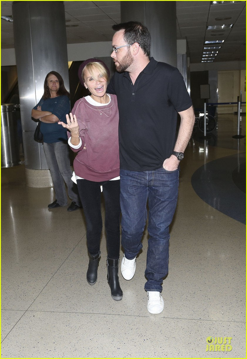 kristin chenoweth lax airport pick up from dana brunetti 023018758