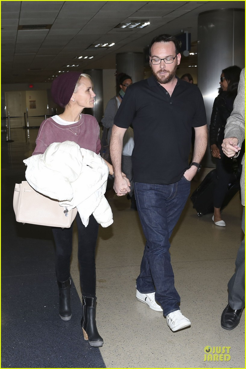 kristin chenoweth lax airport pick up from dana brunetti 05