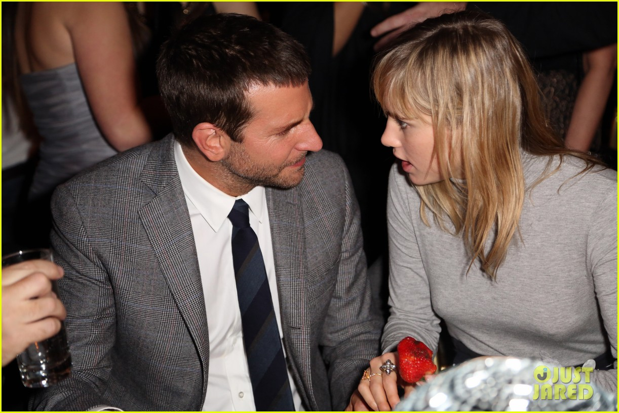 bradley cooper suki waterhouse american hustle party pair 023009290