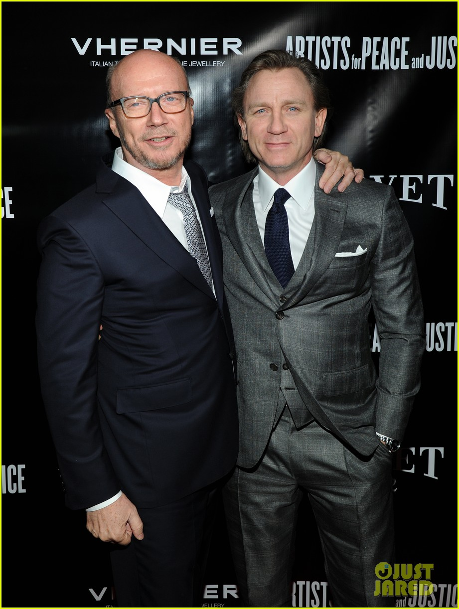 daniel craig artists for peace justice nyc holiday benefit 03