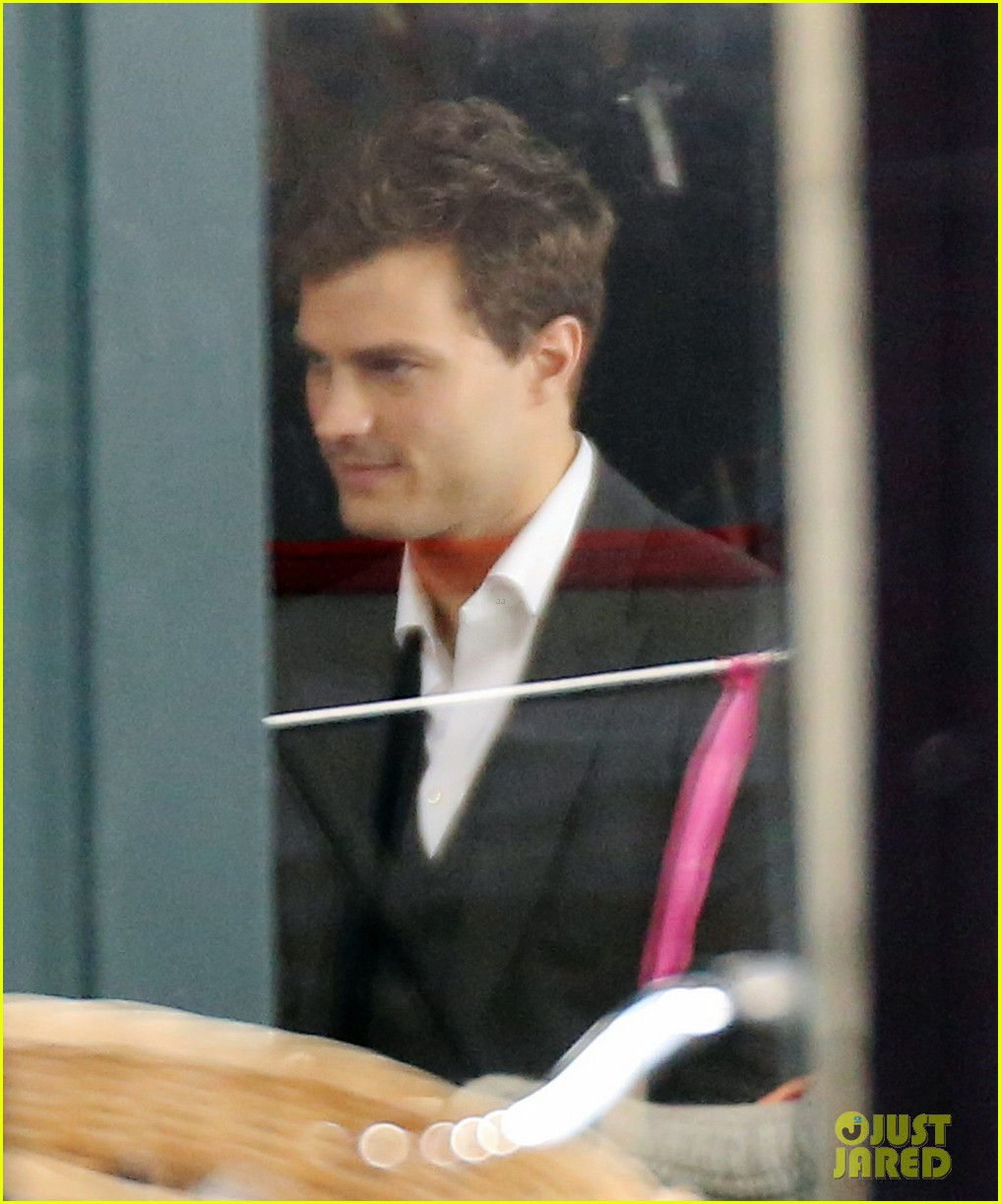 jamie dornan filming fifty shades of grey first photos on set 15