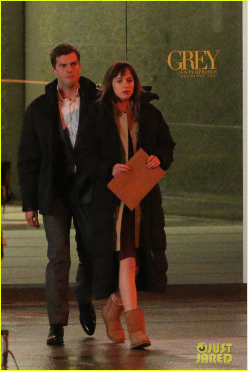 jamie dornan dakota johnson fifty shades of grey night rehearsal 043008141