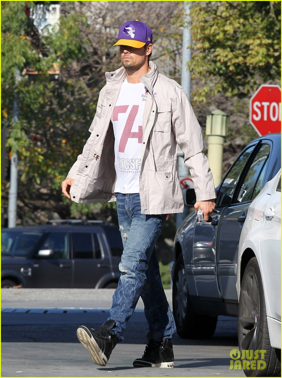 josh duhamel my heart goes out to the philippenes 01