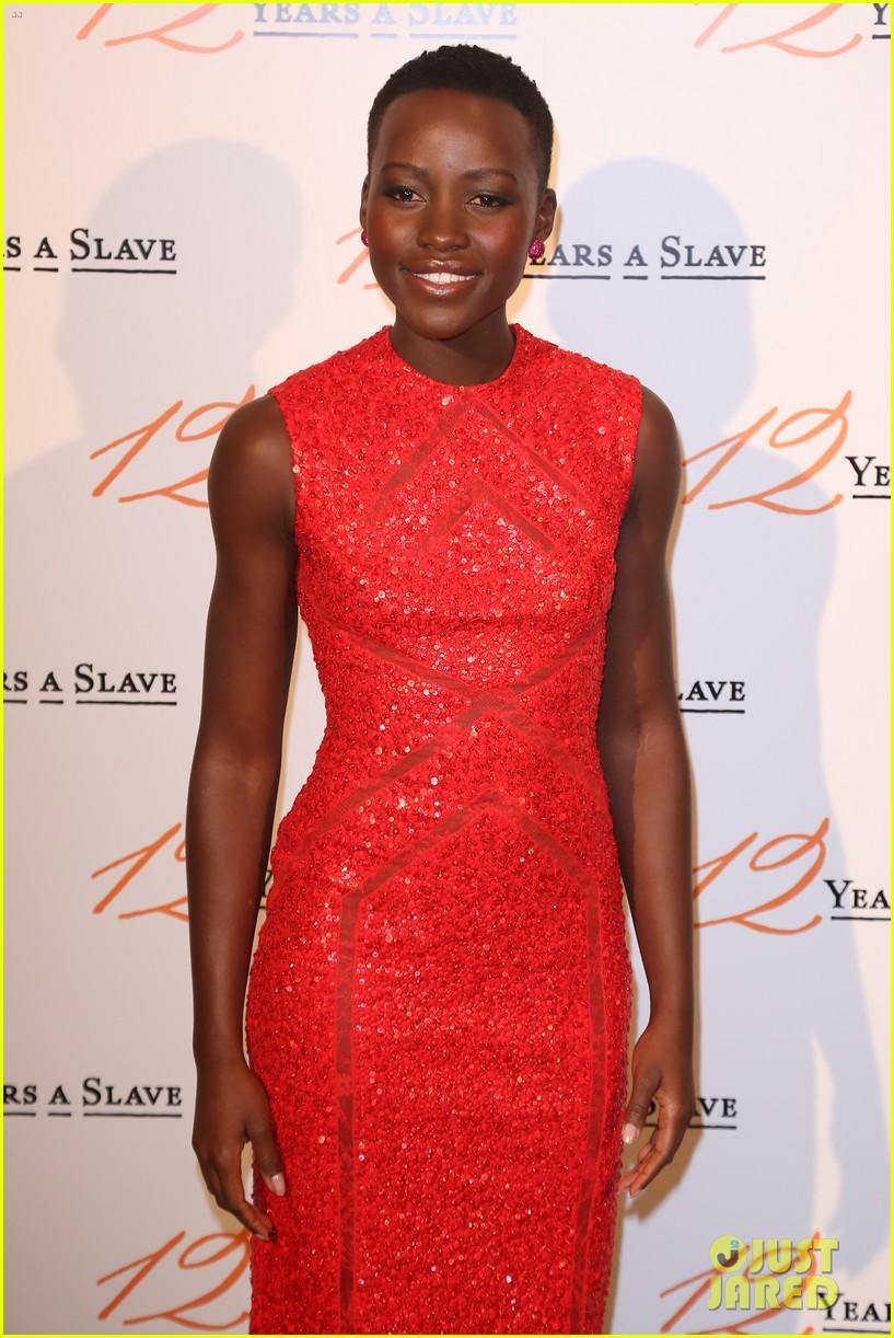 chiwetel ejiofor lupita nyongo 12 years a slave paris premiere 06
