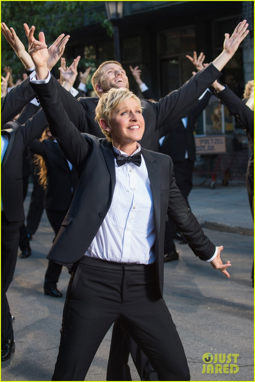 ellen degeneres dances down the streets in first oscars promo 05