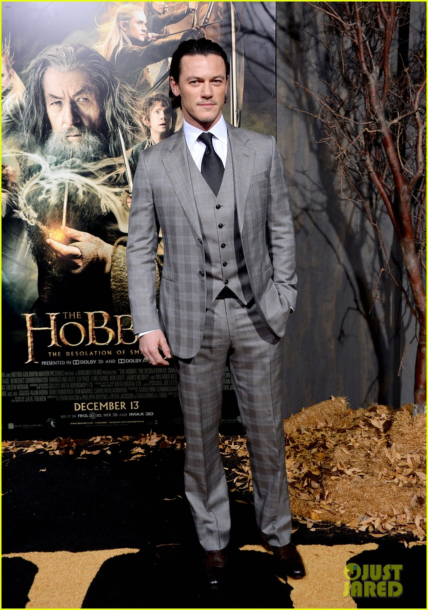 luke evans richard armitage desolation of smaug premiere 023003906