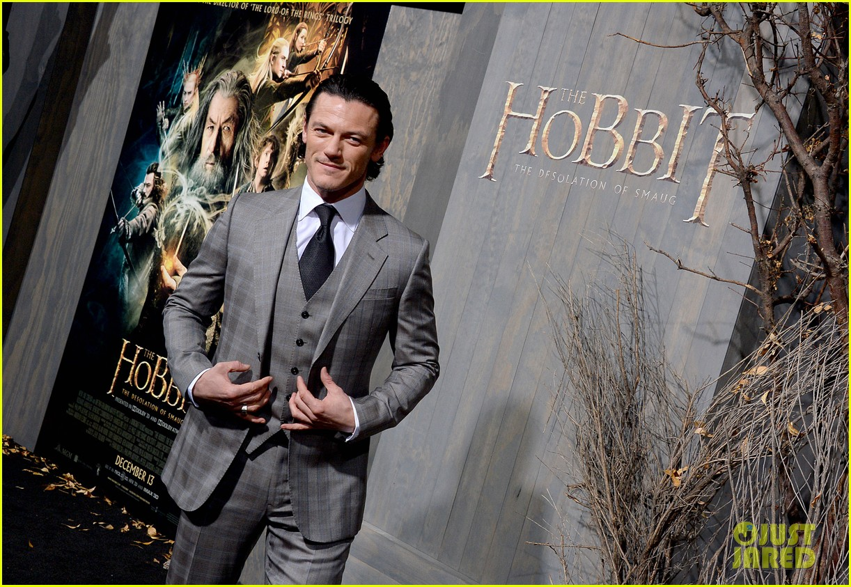 luke evans richard armitage desolation of smaug premiere 07