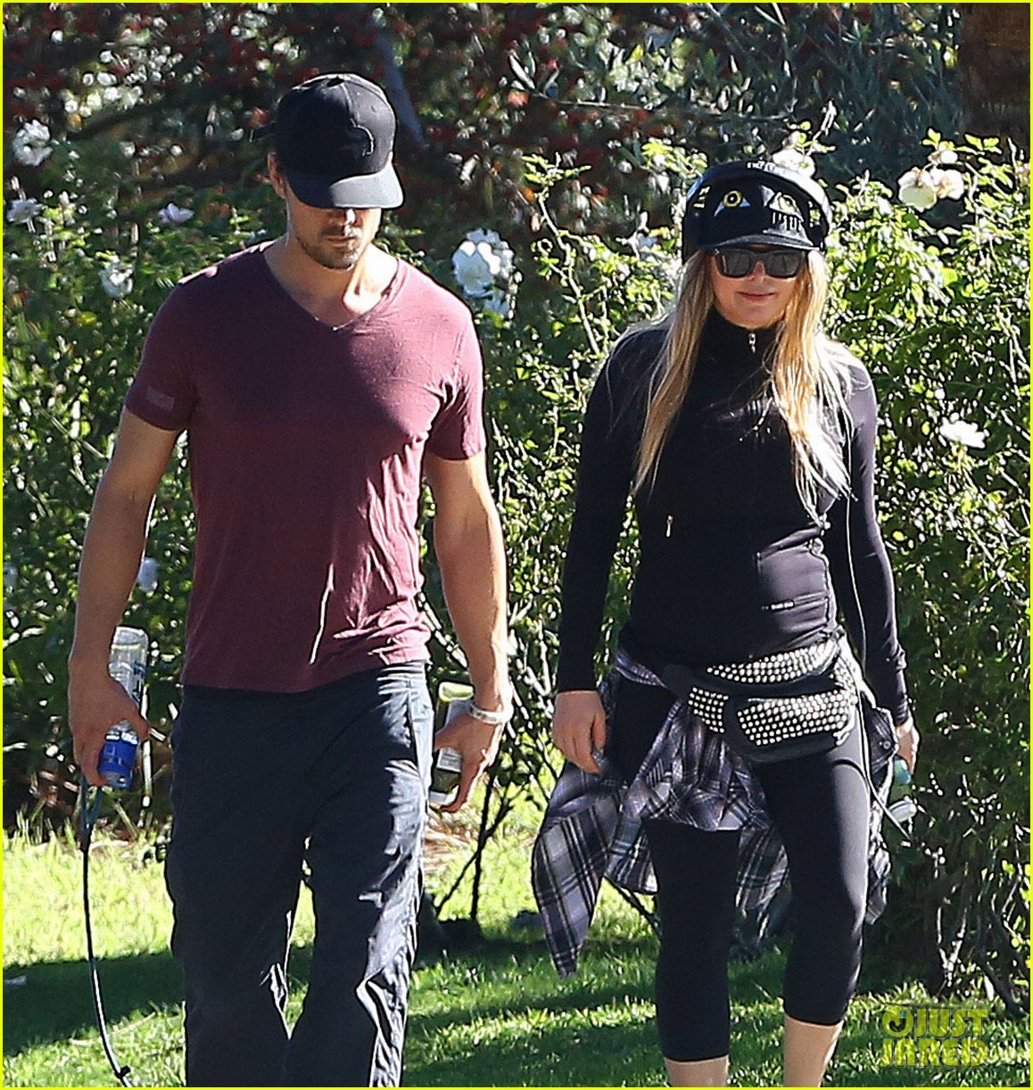 fergie josh duhamel dog walking duo 093003021