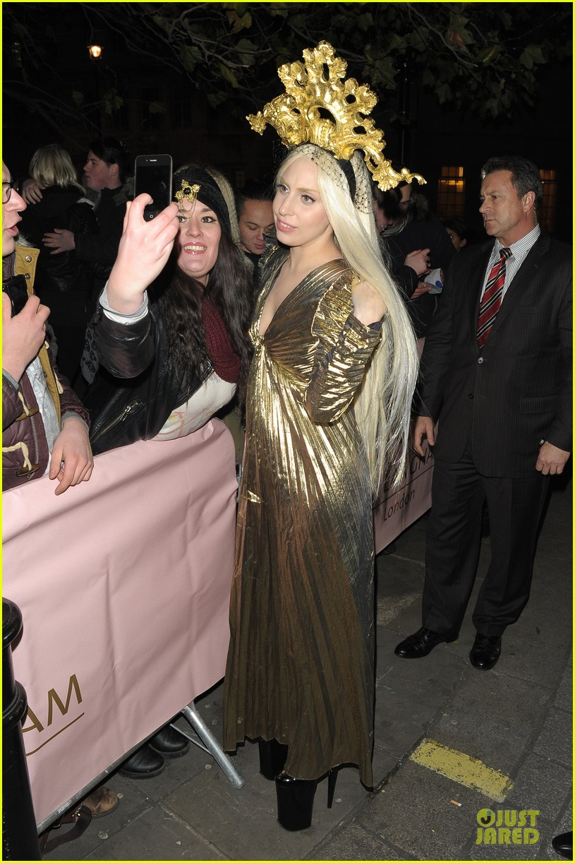 lady gaga rocks golden headpiece for artpop promo 03