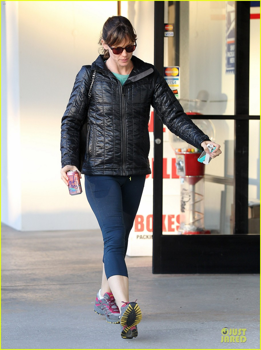 jennifer garner wraps week with seraphina ballet class 013011756