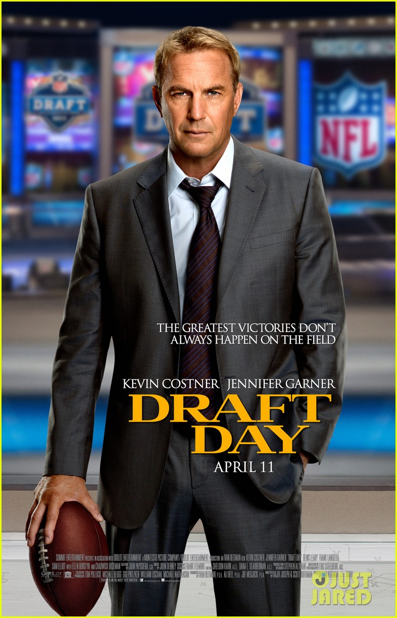 jennifer garner kevin costner draft day trailer stills 033017170