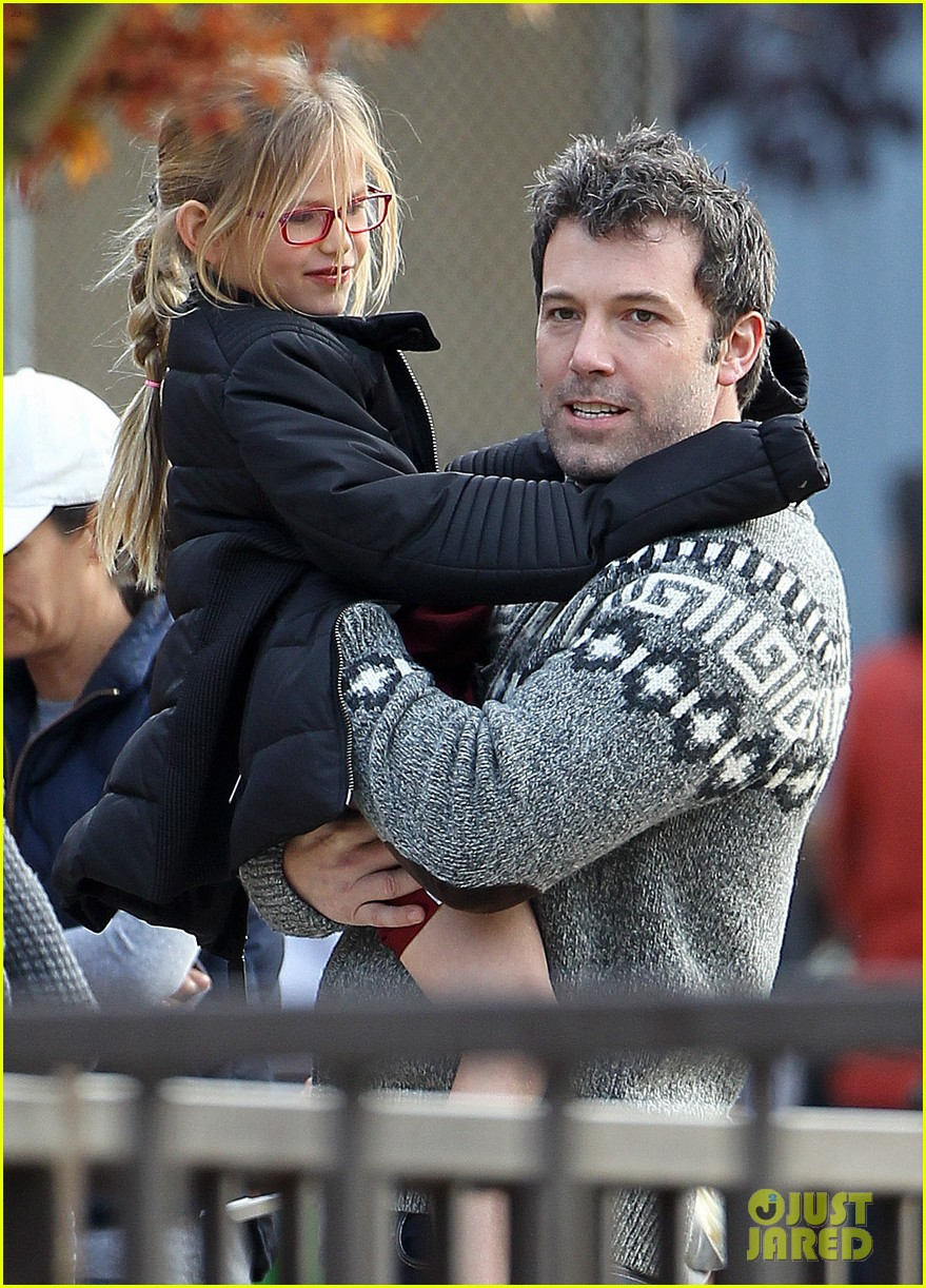 jennifer garner ben affleck sunday park day with the kids 153008336