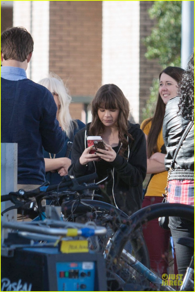 hailee steinfeld wrapping up barely lethal filming 083010204