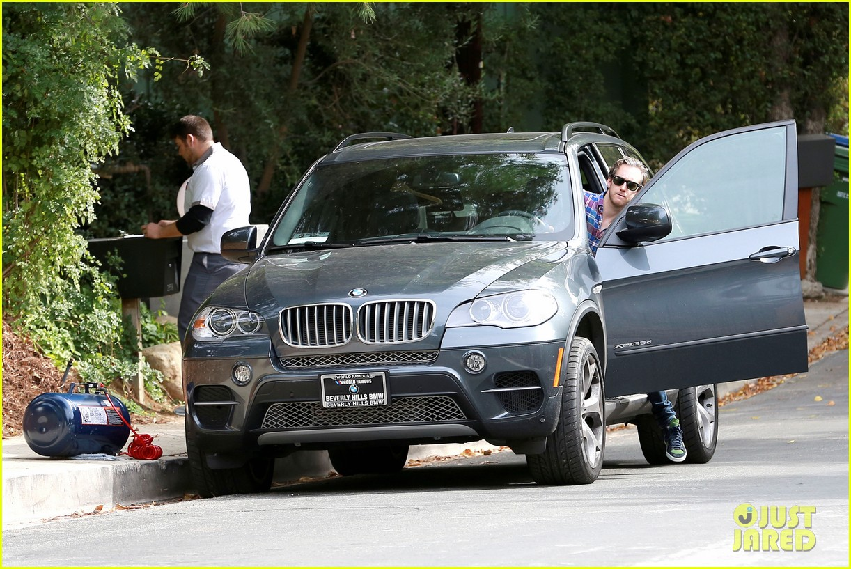 anne hathaway adam shulman flat tire after meal 14