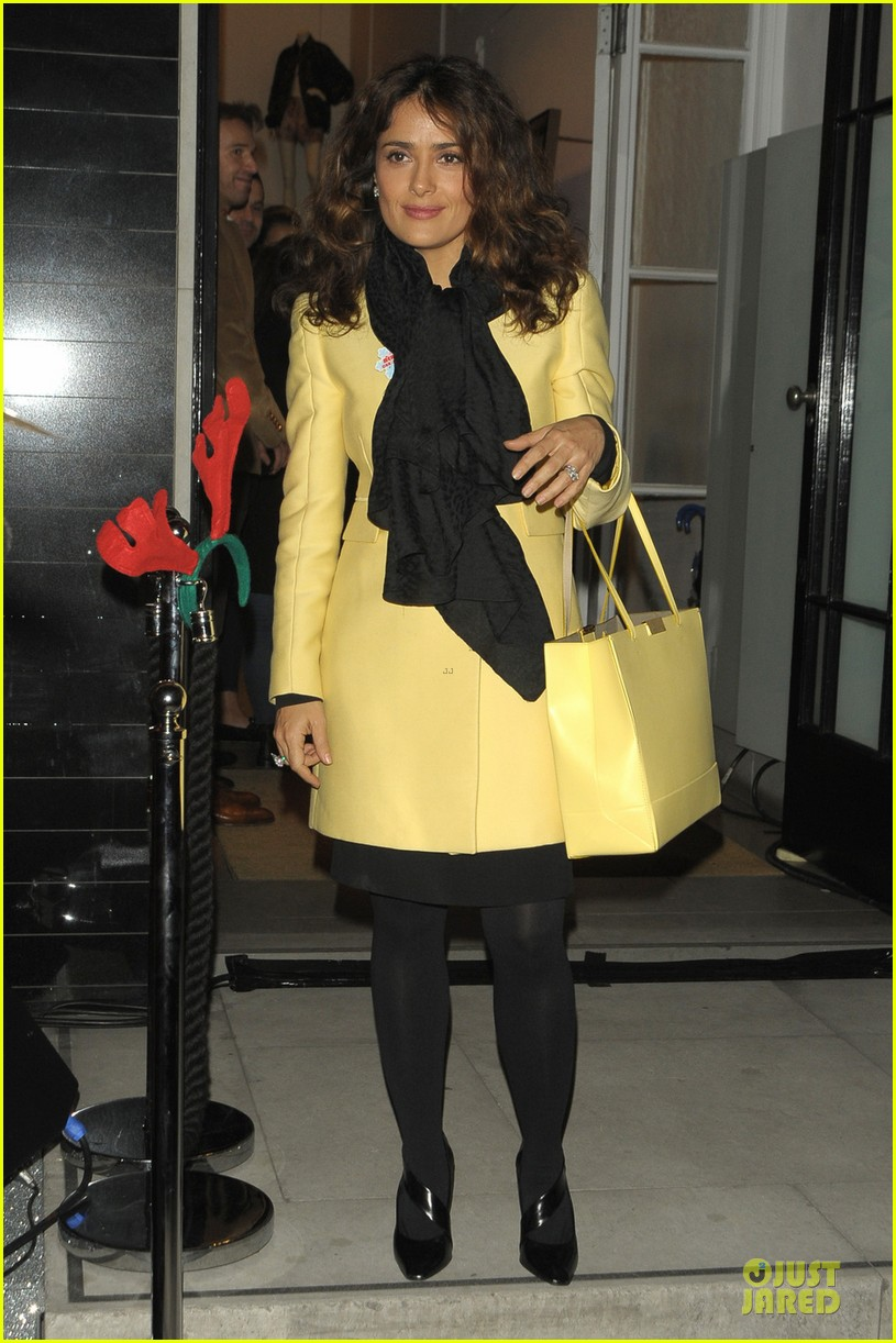salma hayek stella mccartney christmas lights switch on 06a3005220