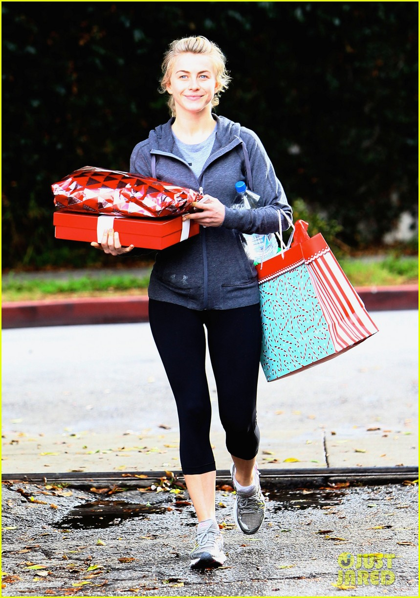 julianne hough is ready for christmas with armful of gifts 05