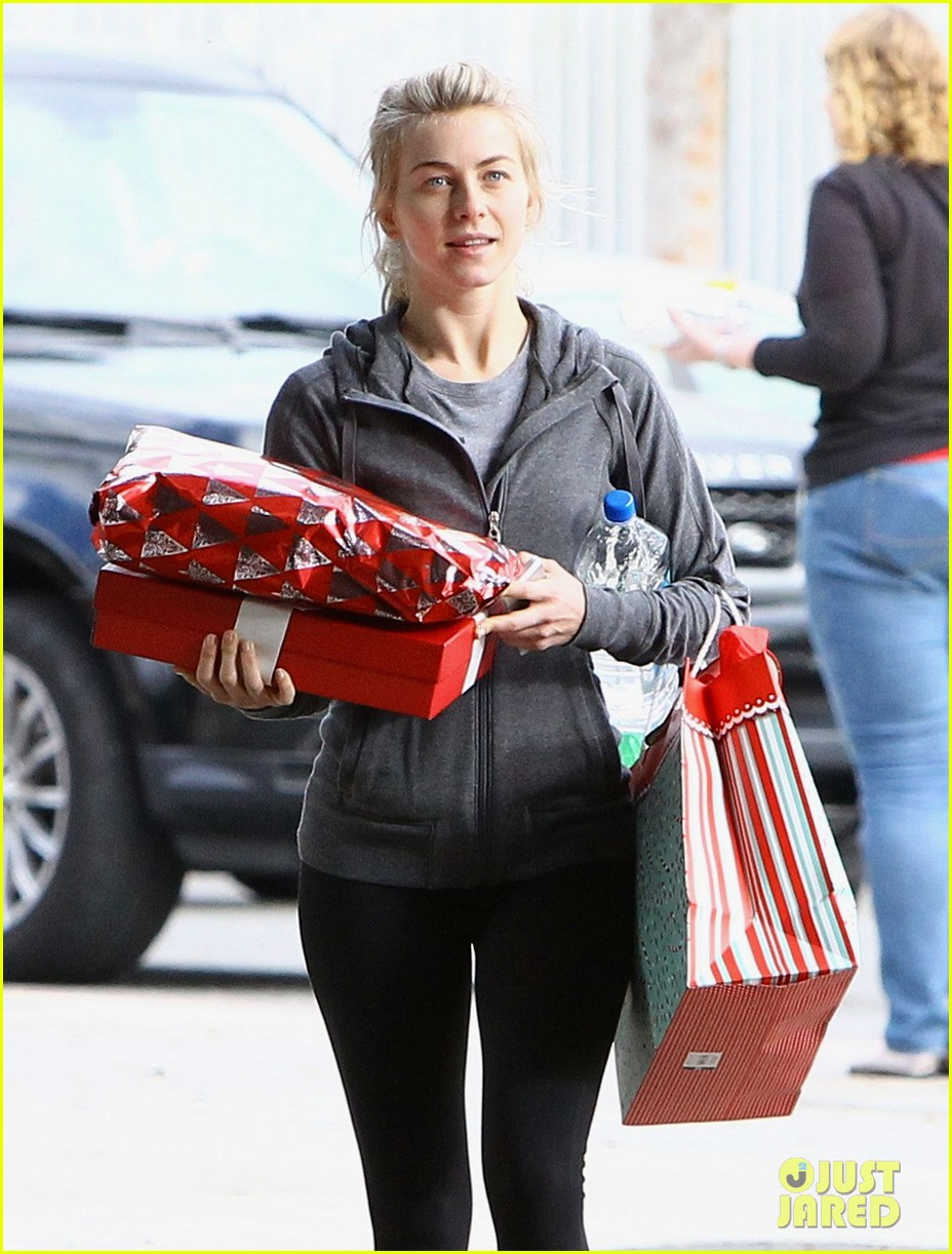 julianne hough is ready for christmas with armful of gifts 12