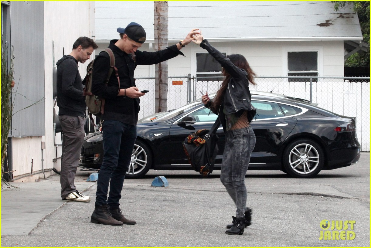 vanessa hudgens dance take silly selfies in a parking lot 123014653