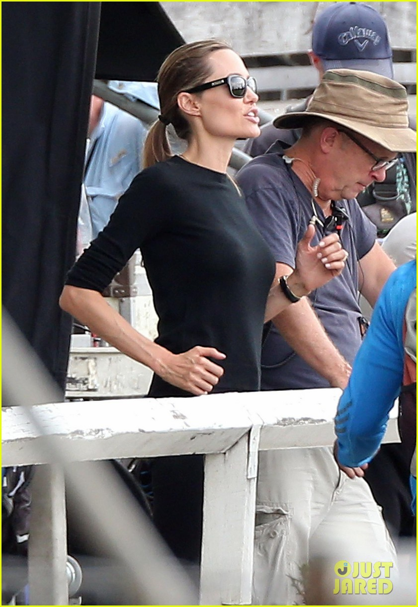 angelina jolie back to work for unbroken after family weekend 02