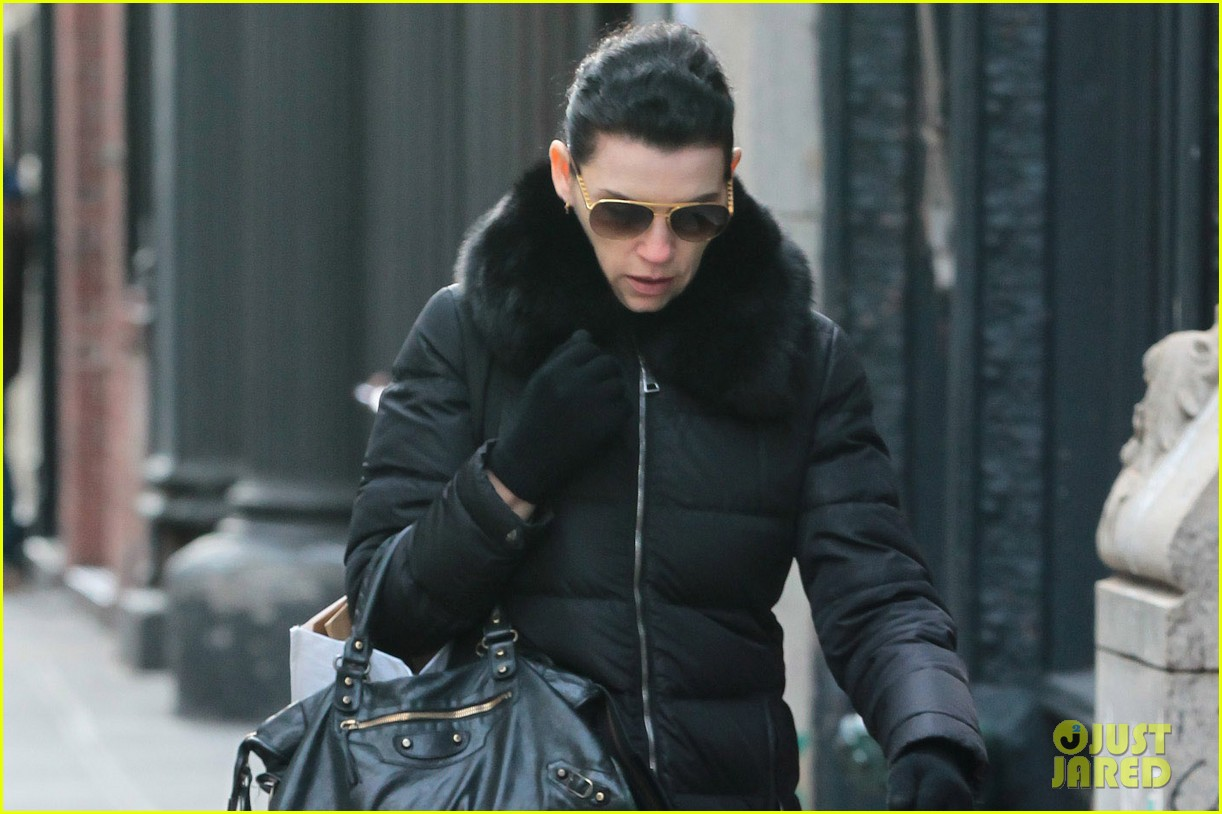 julianna margulies braves brisk weather for christmas eve walk 023017781