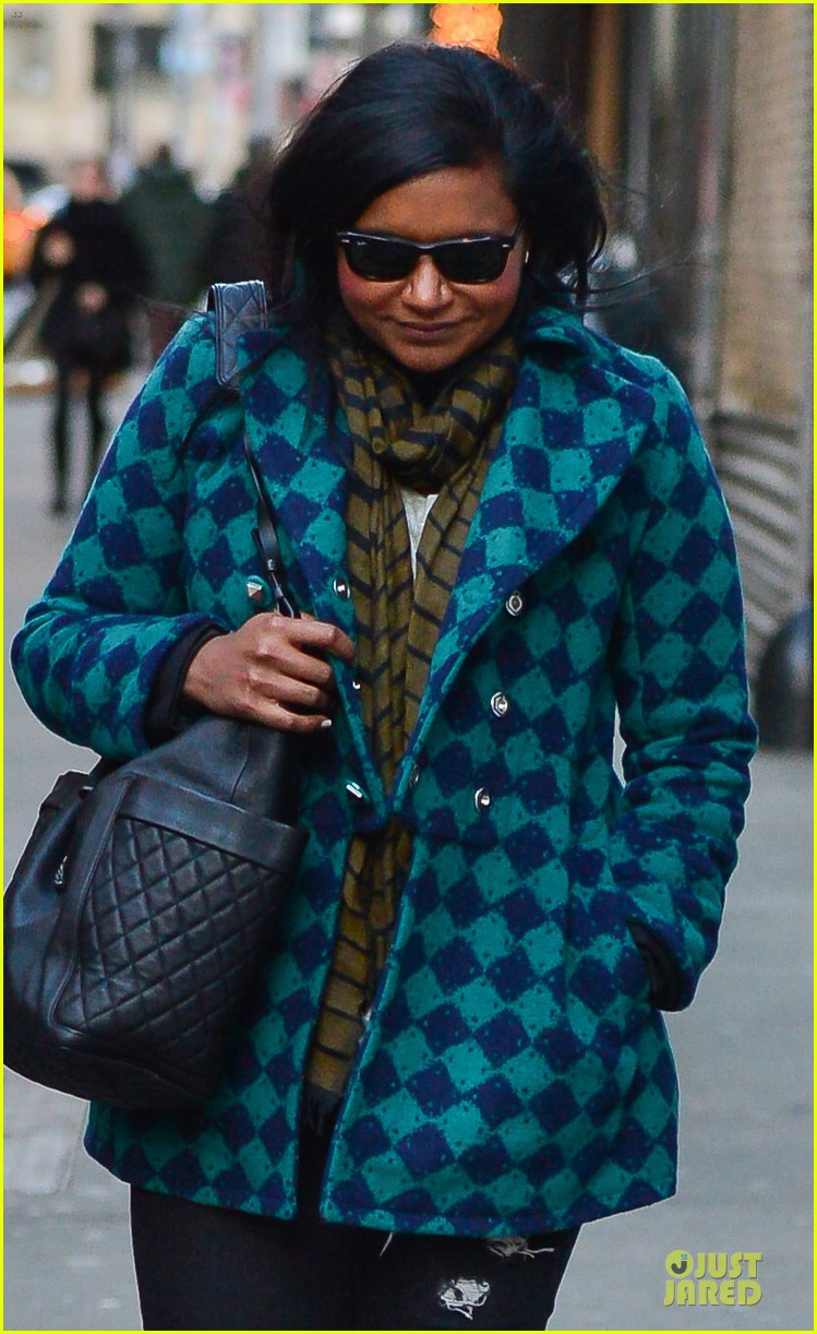 mindy kaling christmas eve stroll with male pal in nyc 023017415