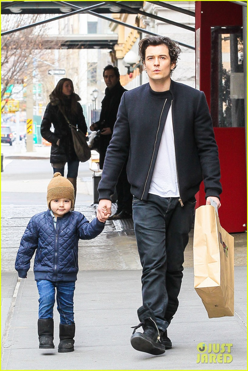 miranda kerr drops off flynn for day with daddy orlando bloom 22