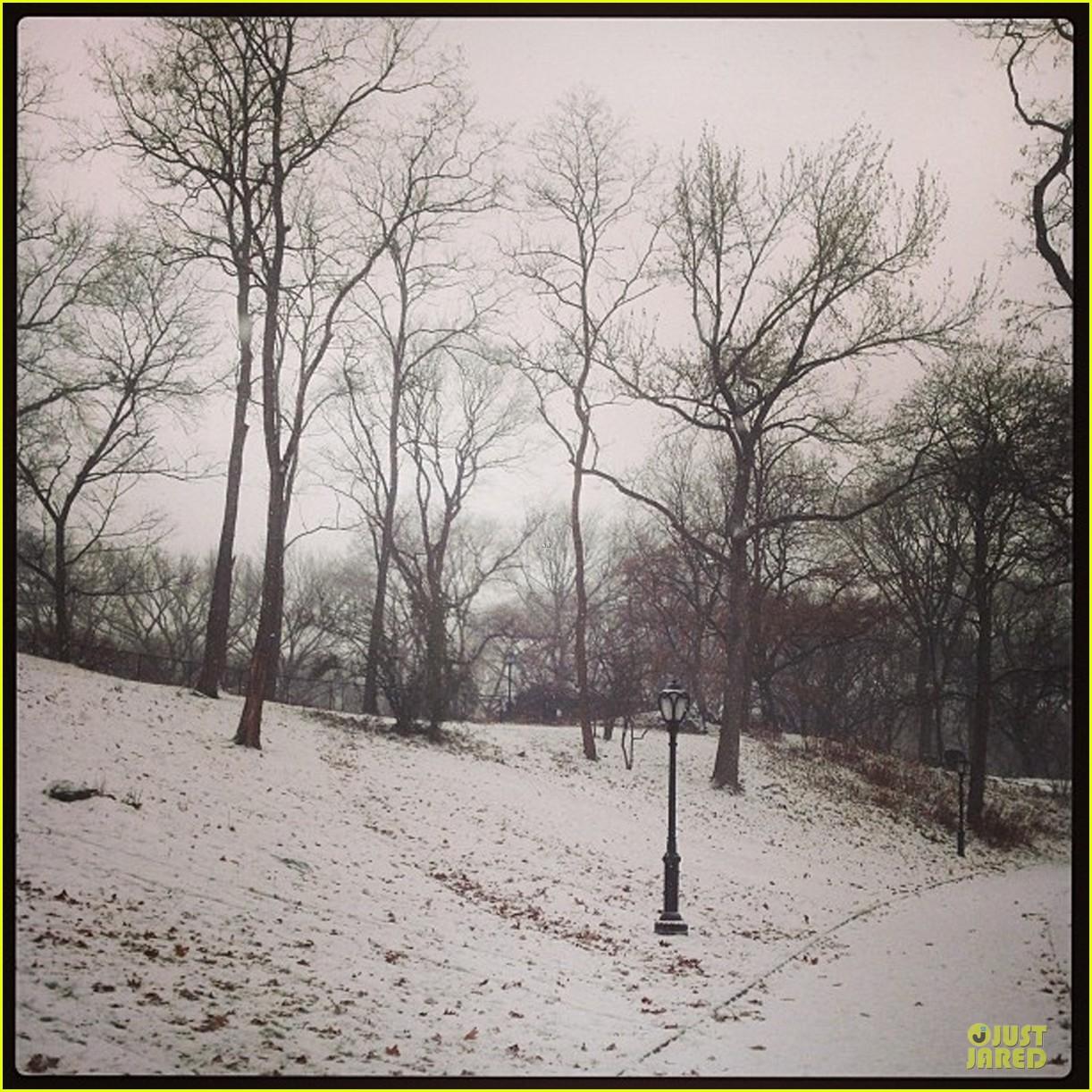 miranda kerr flynn snowy winter wonderland 053012000