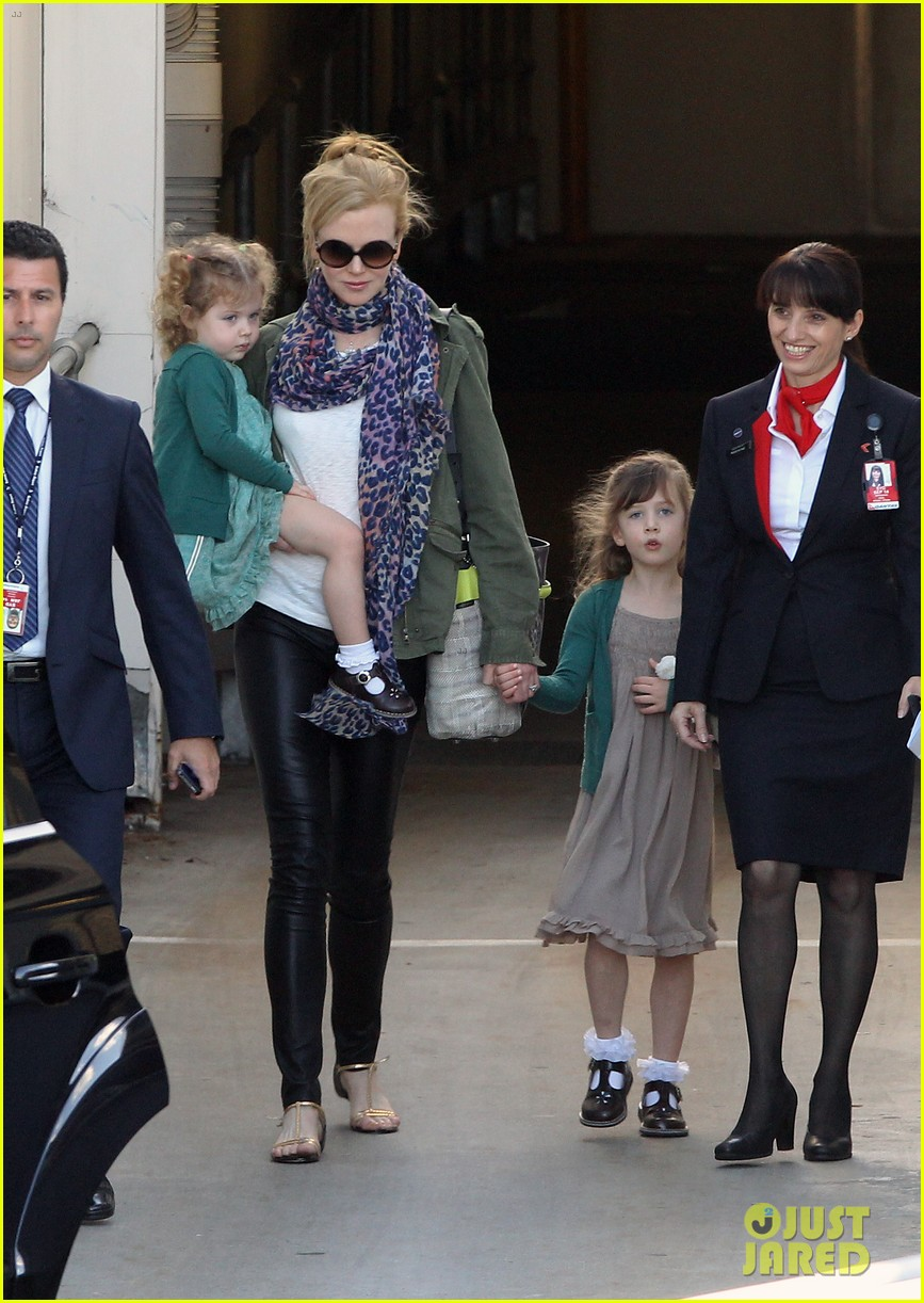 nicole kidman australia arrival with faith sunday 21