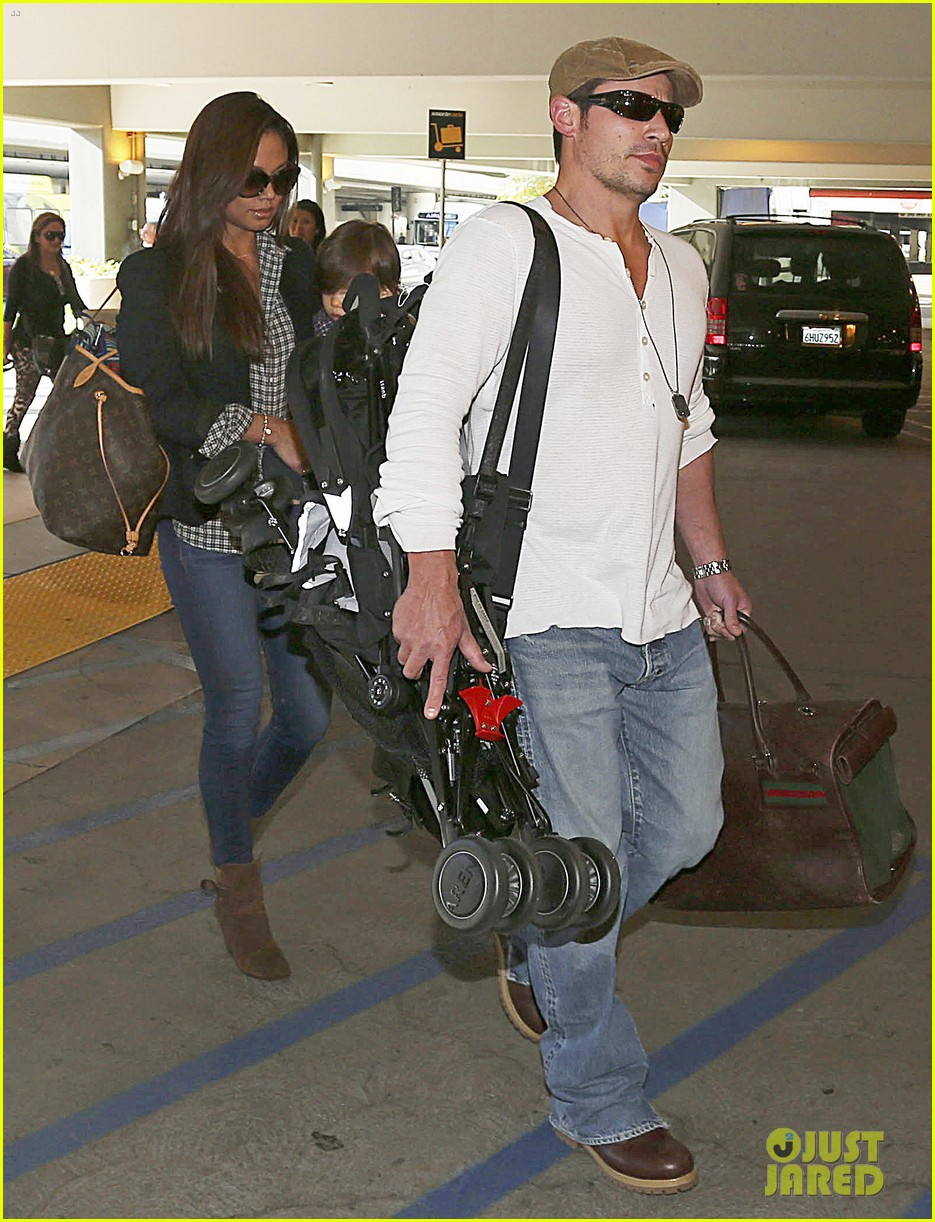nick lachey wife vanessa lax arrival with son camden 053019325