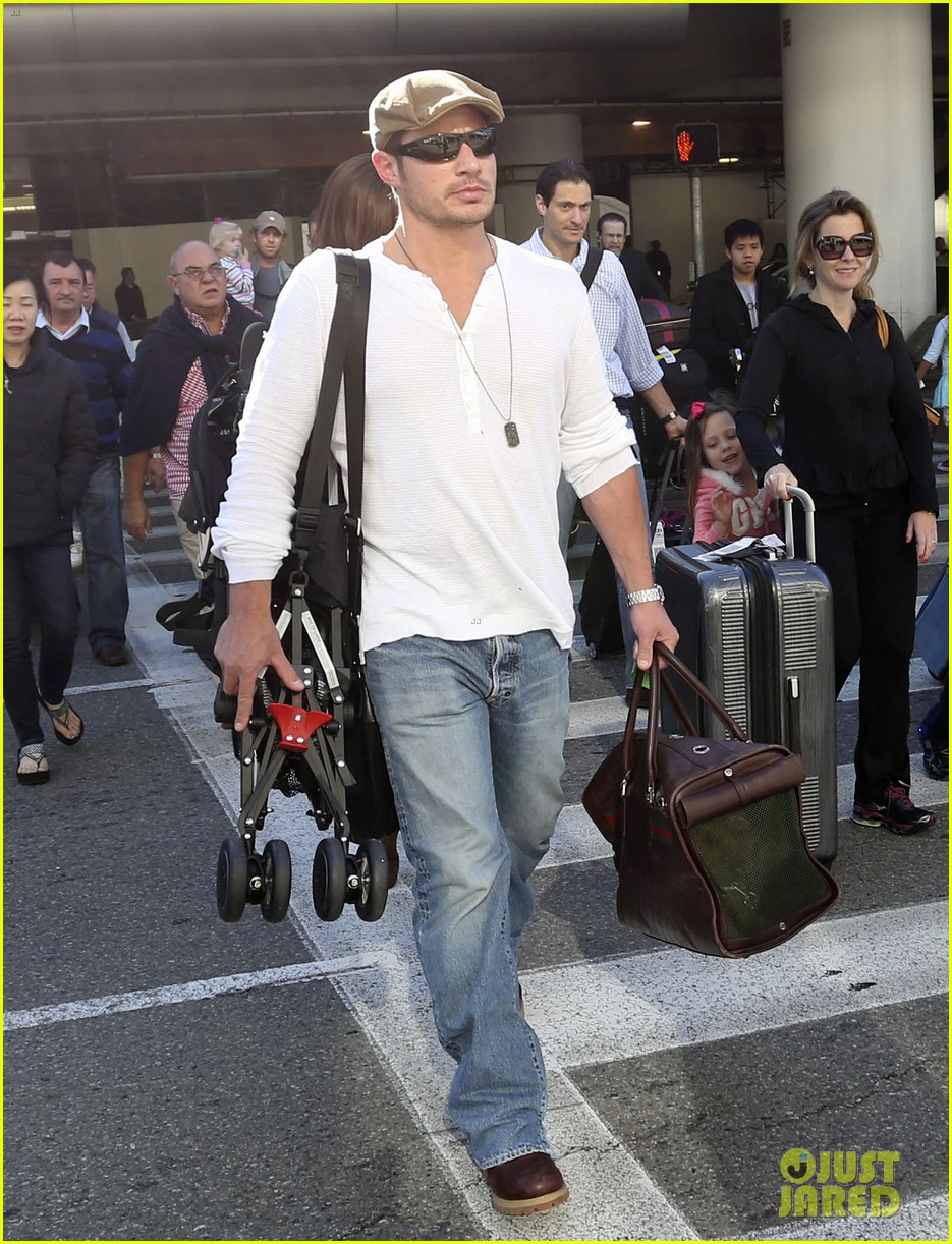 nick lachey wife vanessa lax arrival with son camden 073019327