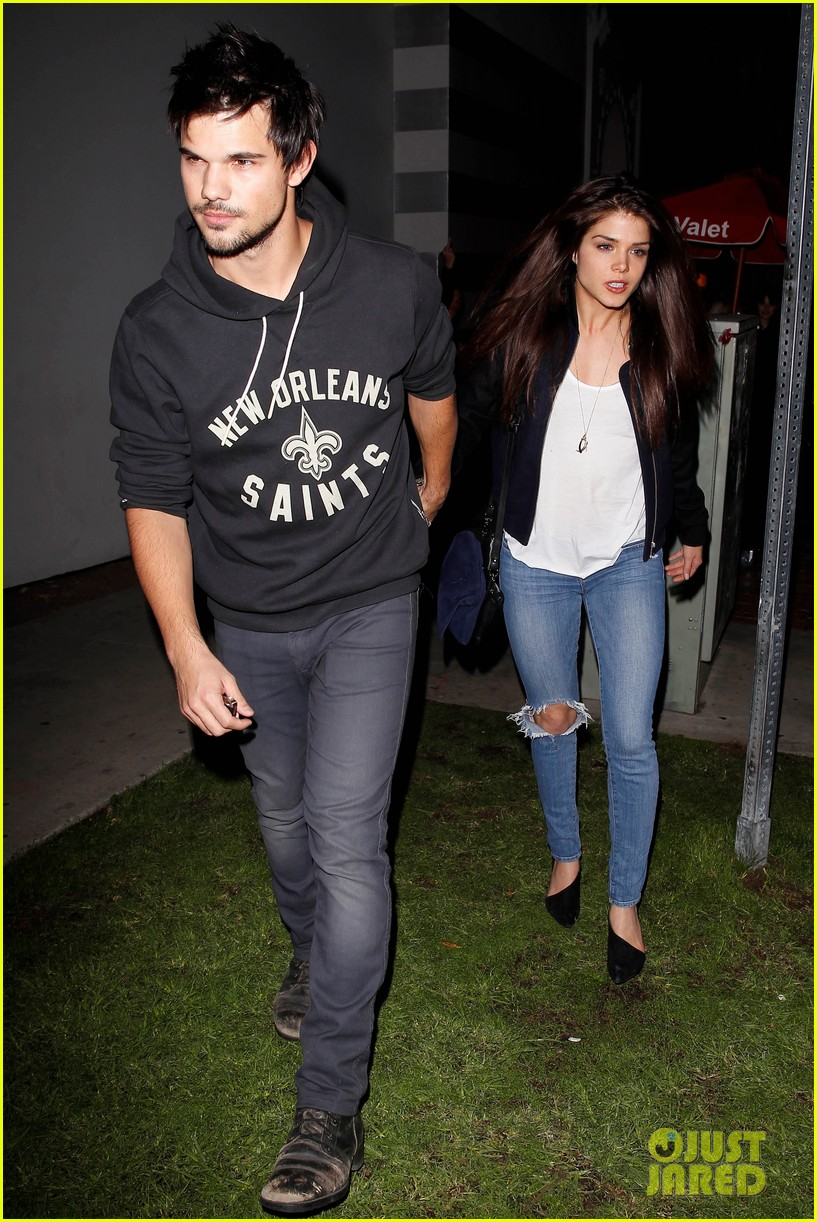 taylor lautner marie avgeropoulos acabar dinner date duo 06