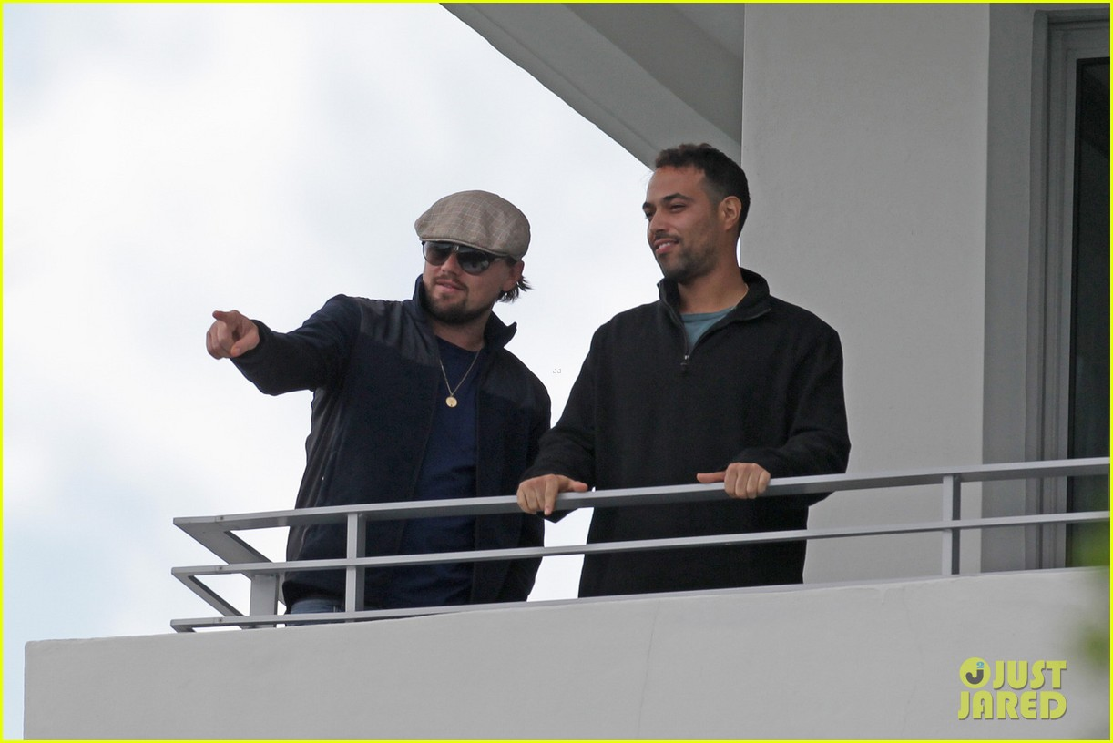 leonardo dicaprio takes in sights in miami 05