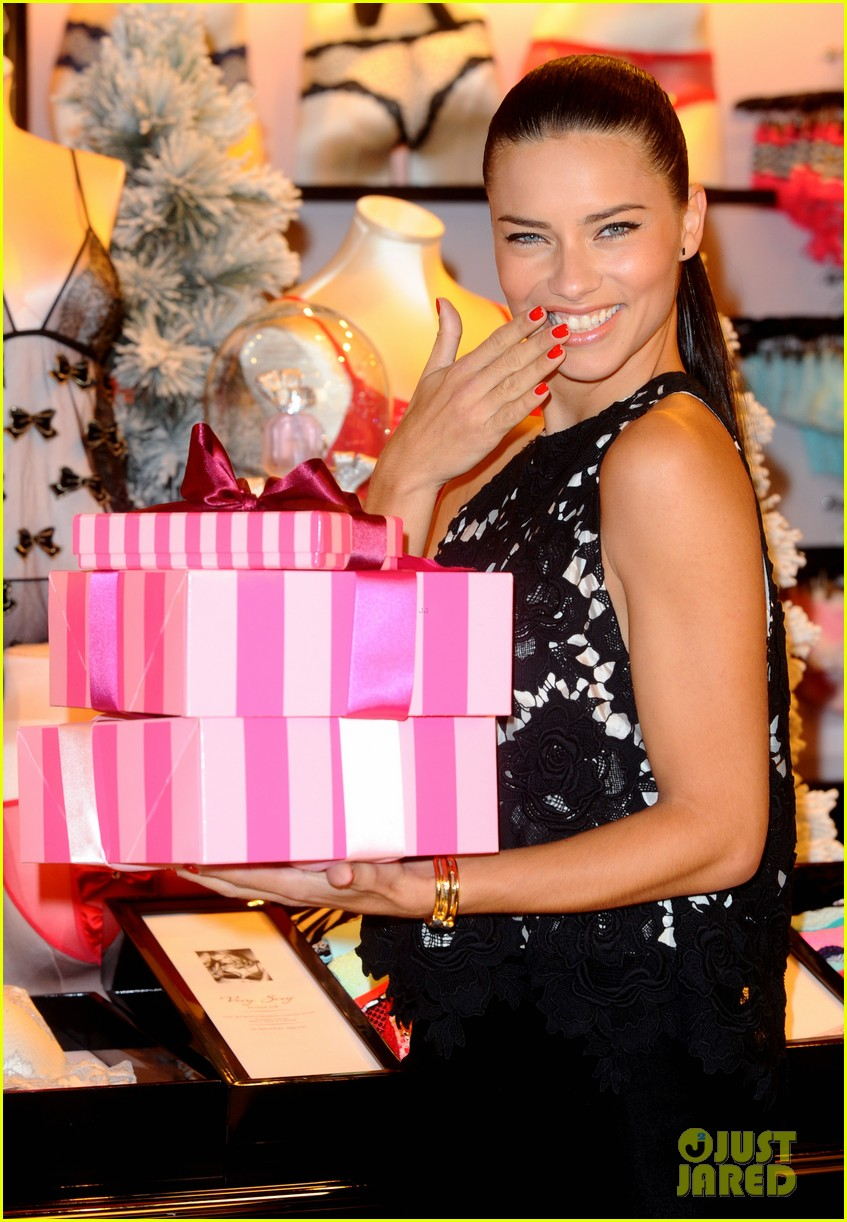 adriana lima victorias secret bond street store photo call 02