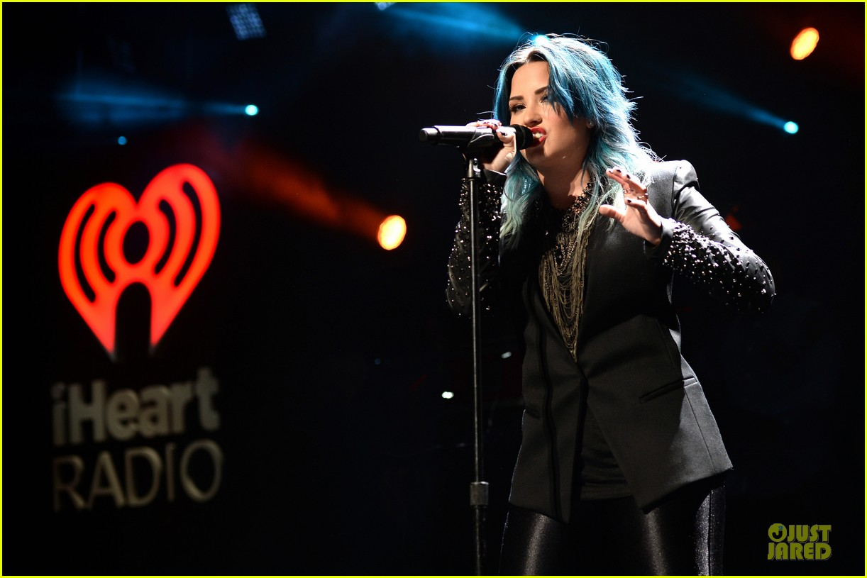 demi lovato performs at y100 jingle ball 2013 143015671
