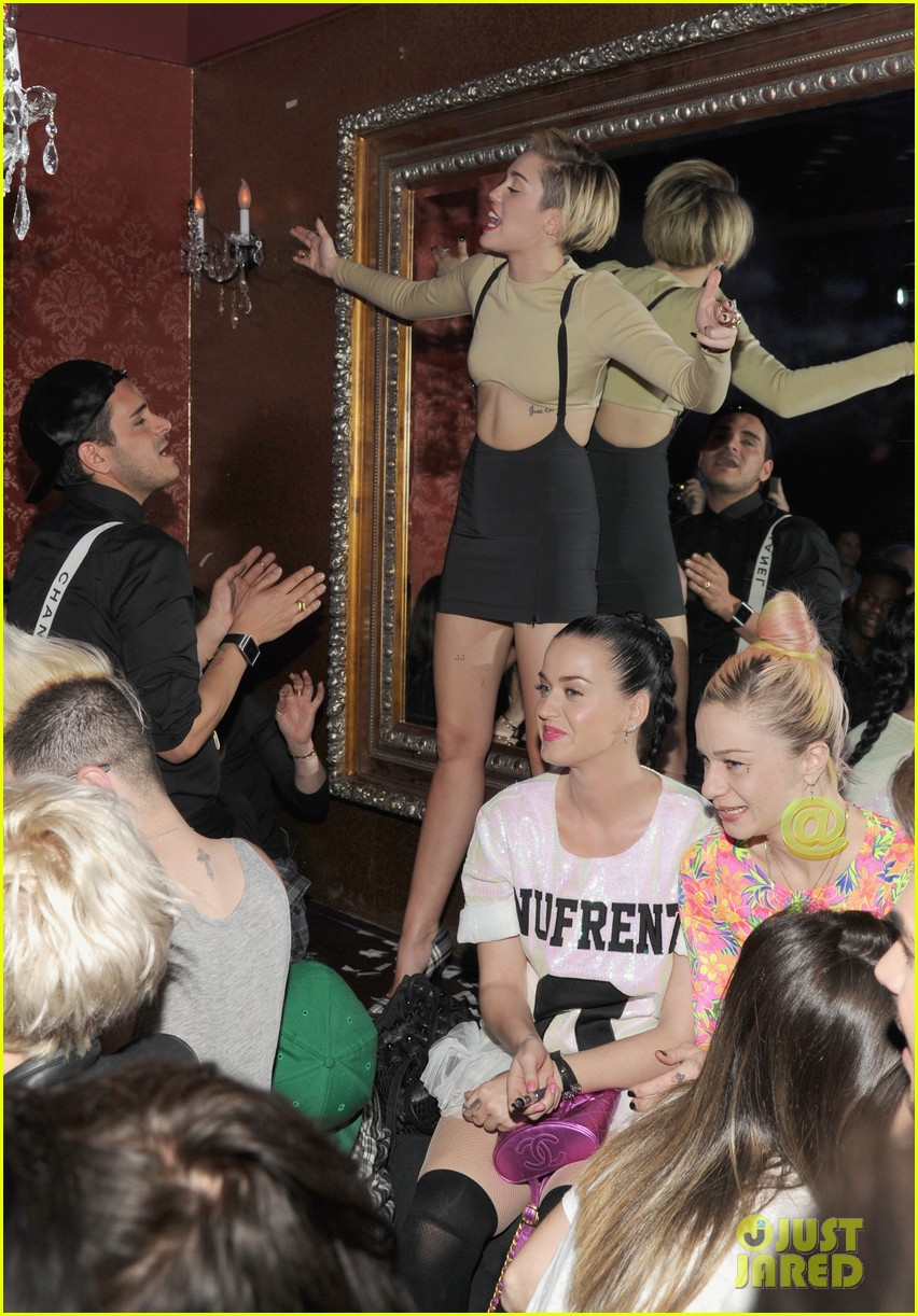 miley cyrus kellan lutz party together in vegas photos 03