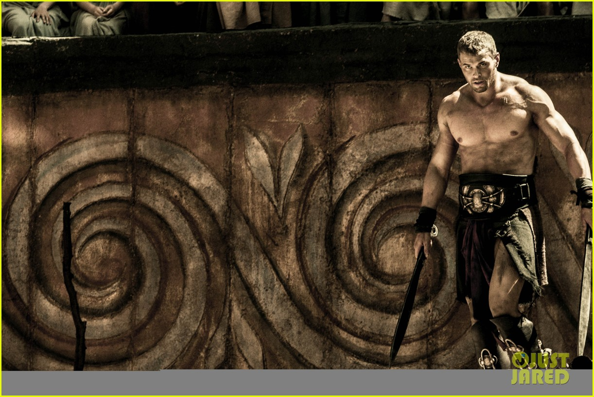 kellan lutz is shirtless sexy for new legends of hercules trailer 123011476