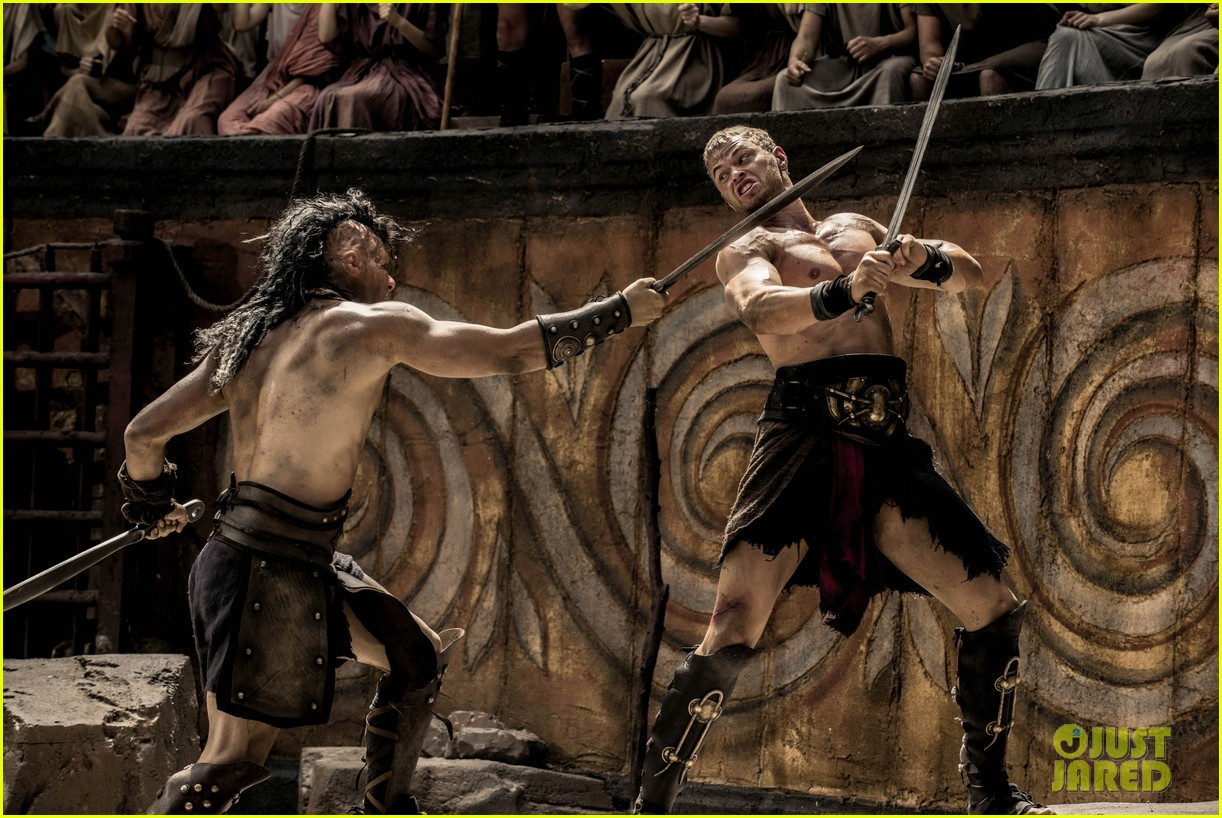 kellan lutz is shirtless sexy for new legends of hercules trailer 19