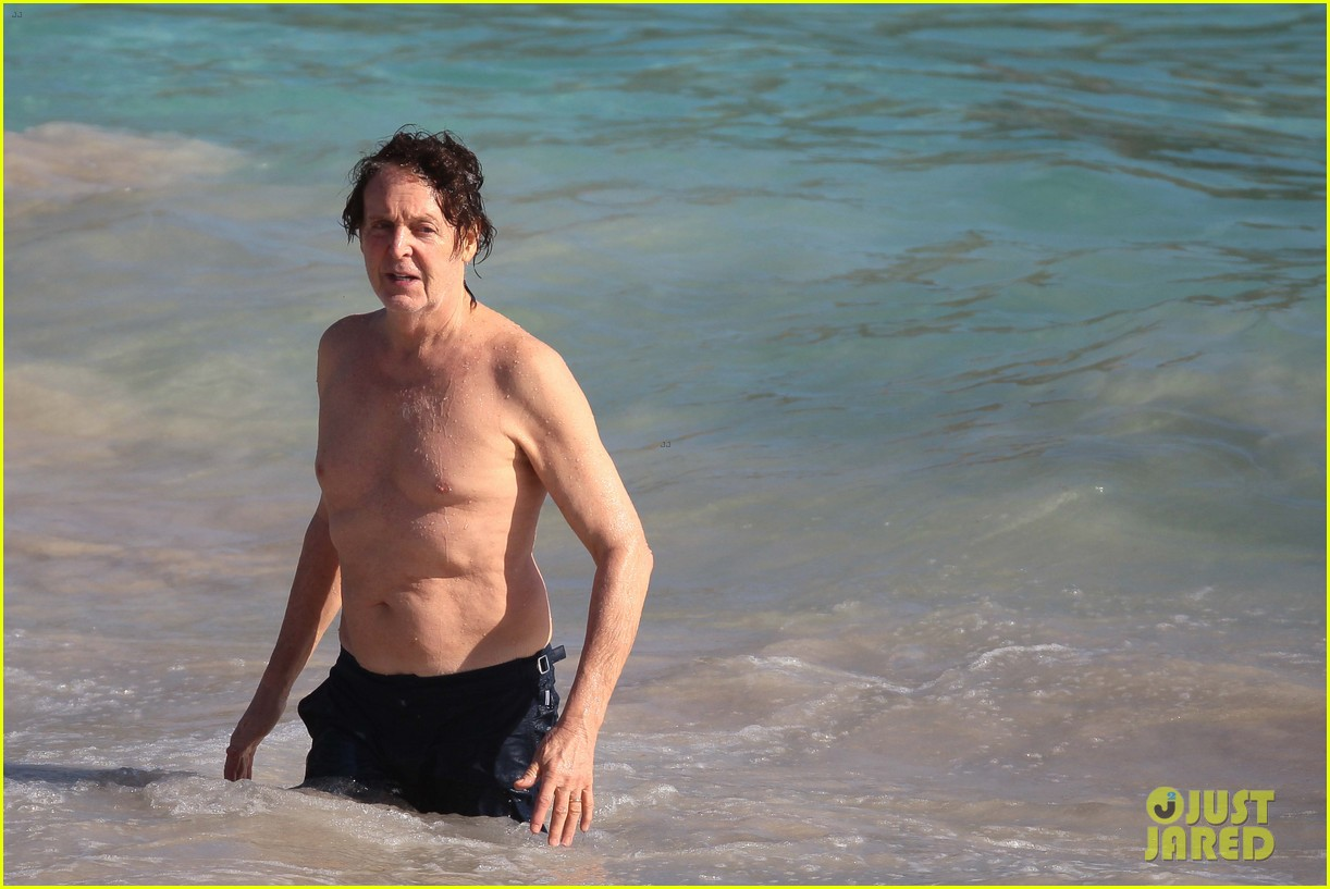 paul mccartney shirtless vacation with wife nancy shevell 04