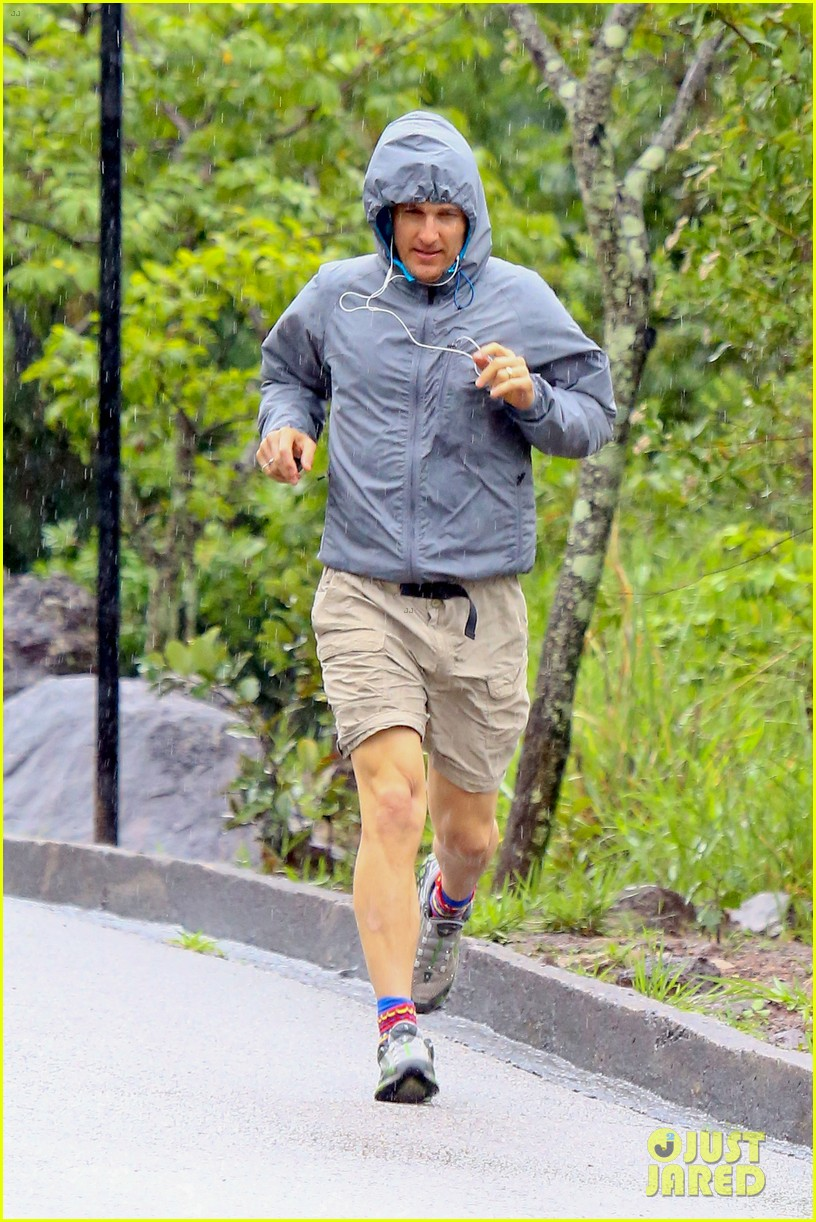 matthew mcconaughey braves the rain for a run in brazil 113018367