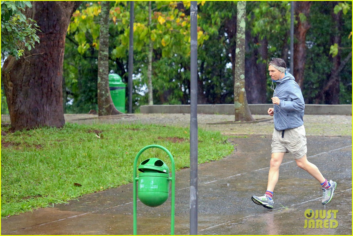 matthew mcconaughey braves the rain for a run in brazil 173018373
