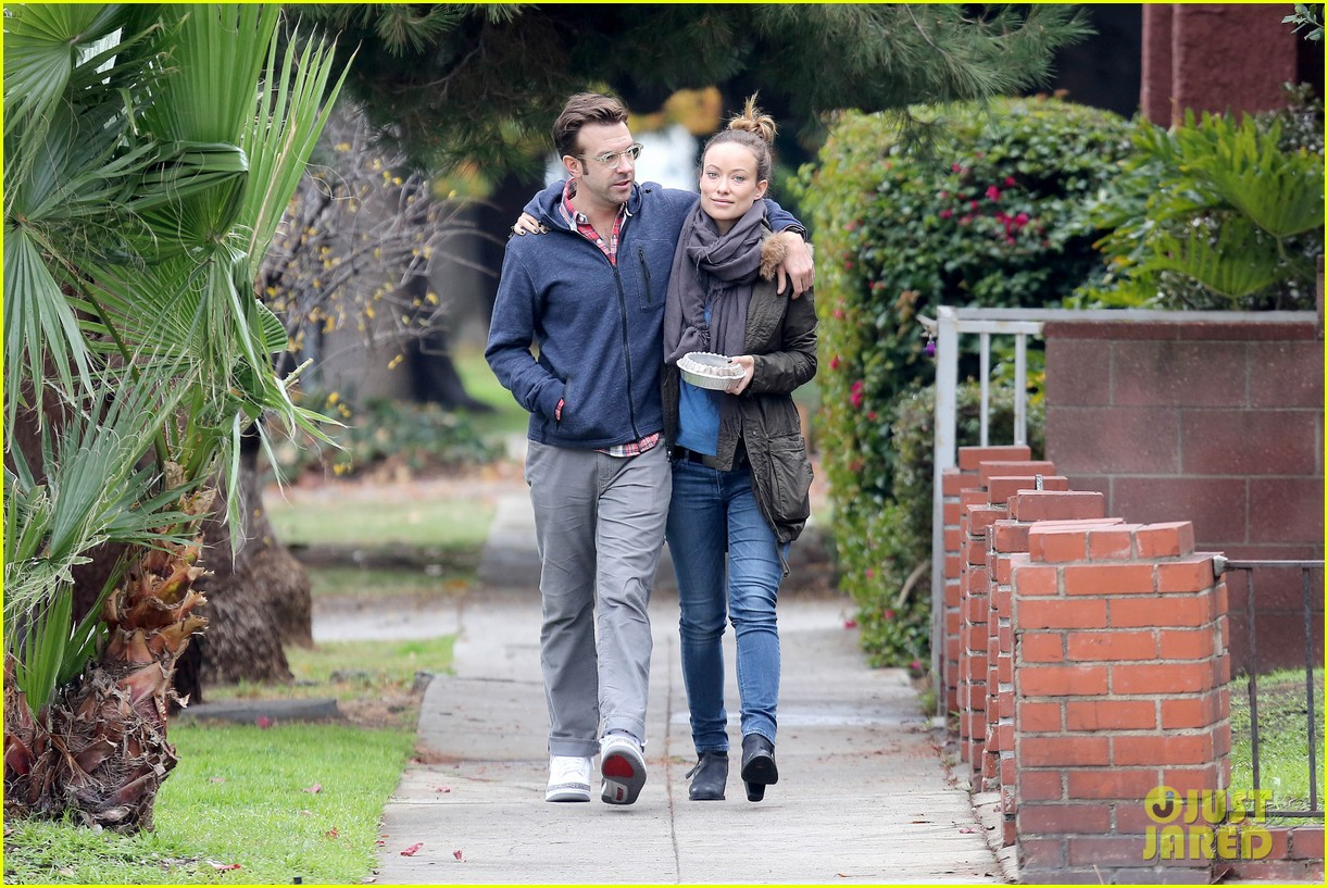 olivia wilde jason sudeikis arm in arm after lunch date 203007622