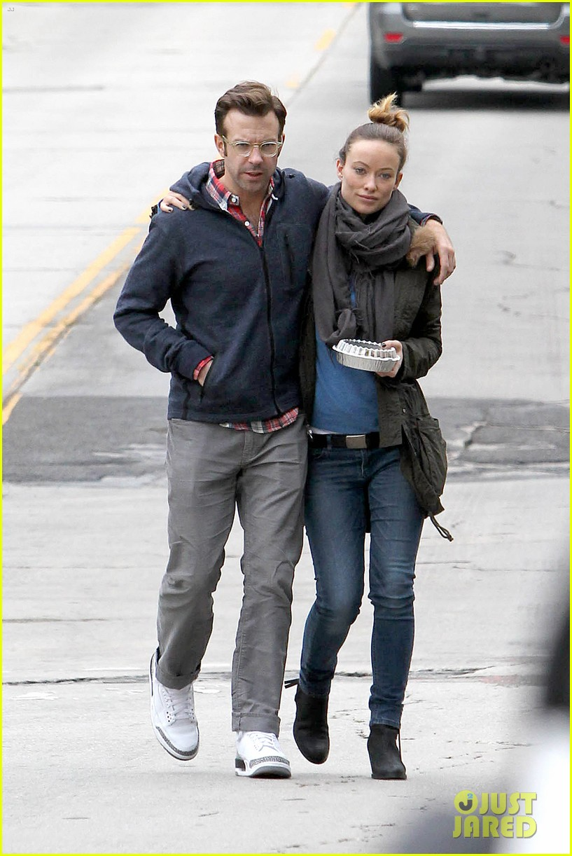 olivia wilde jason sudeikis arm in arm after lunch date 263007628