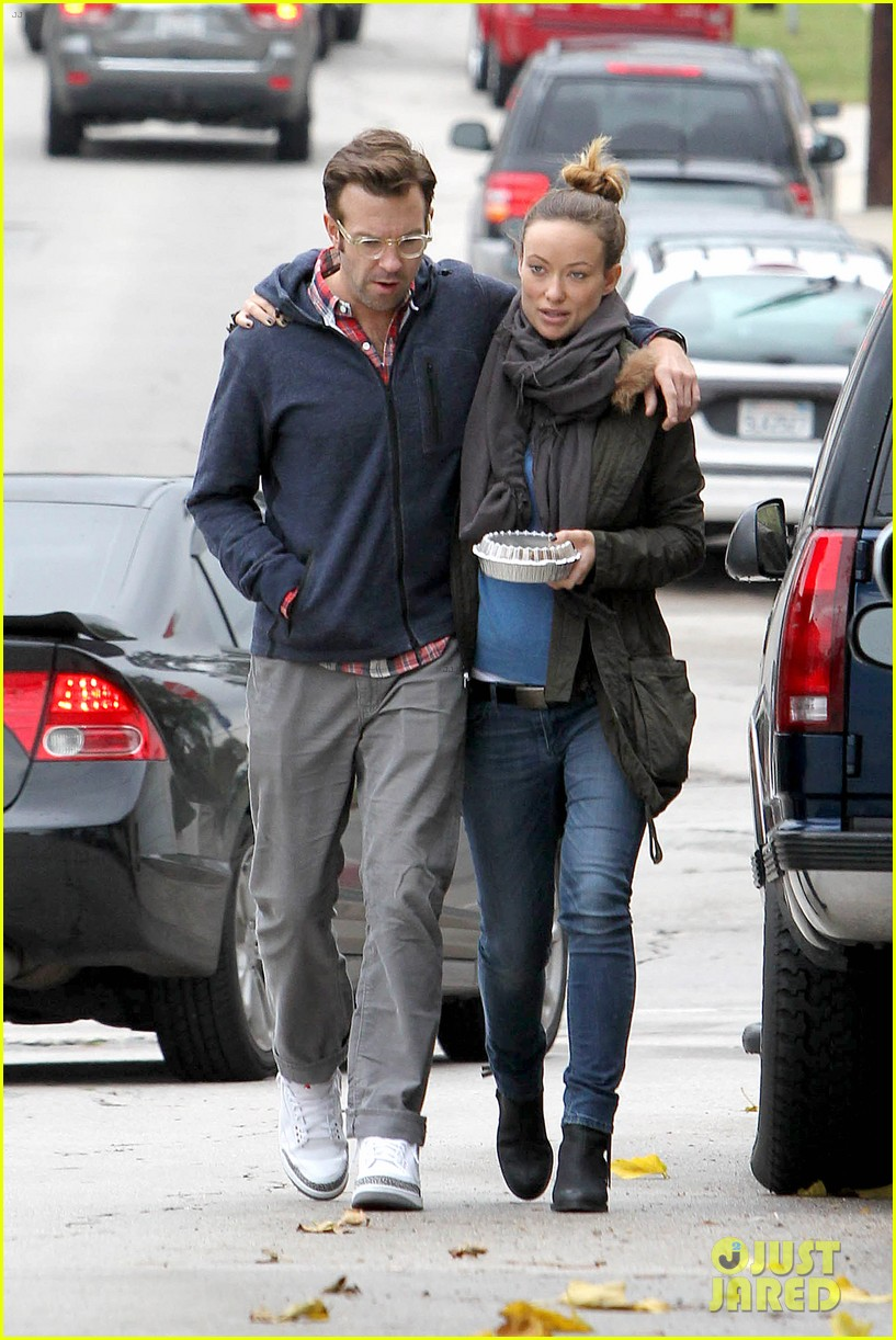 olivia wilde jason sudeikis arm in arm after lunch date 29