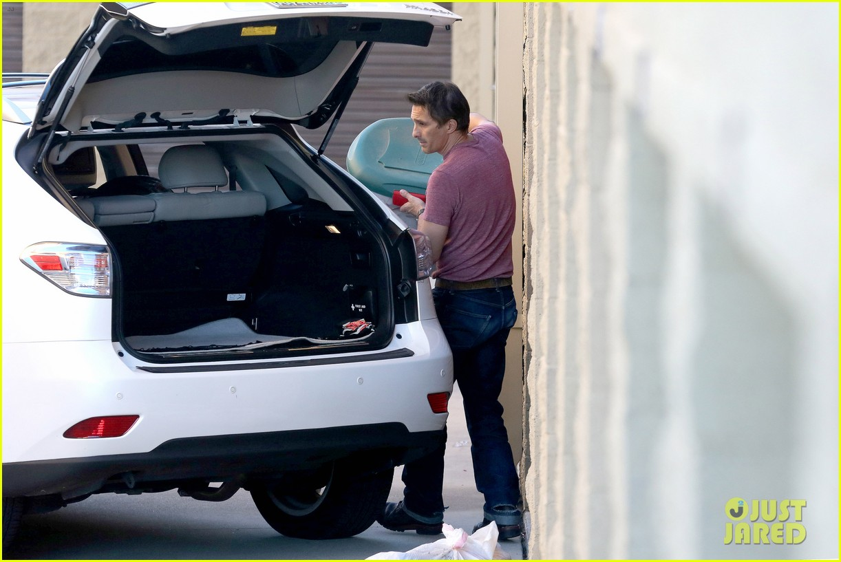 olivier martinez busy weekend running errands 133003177