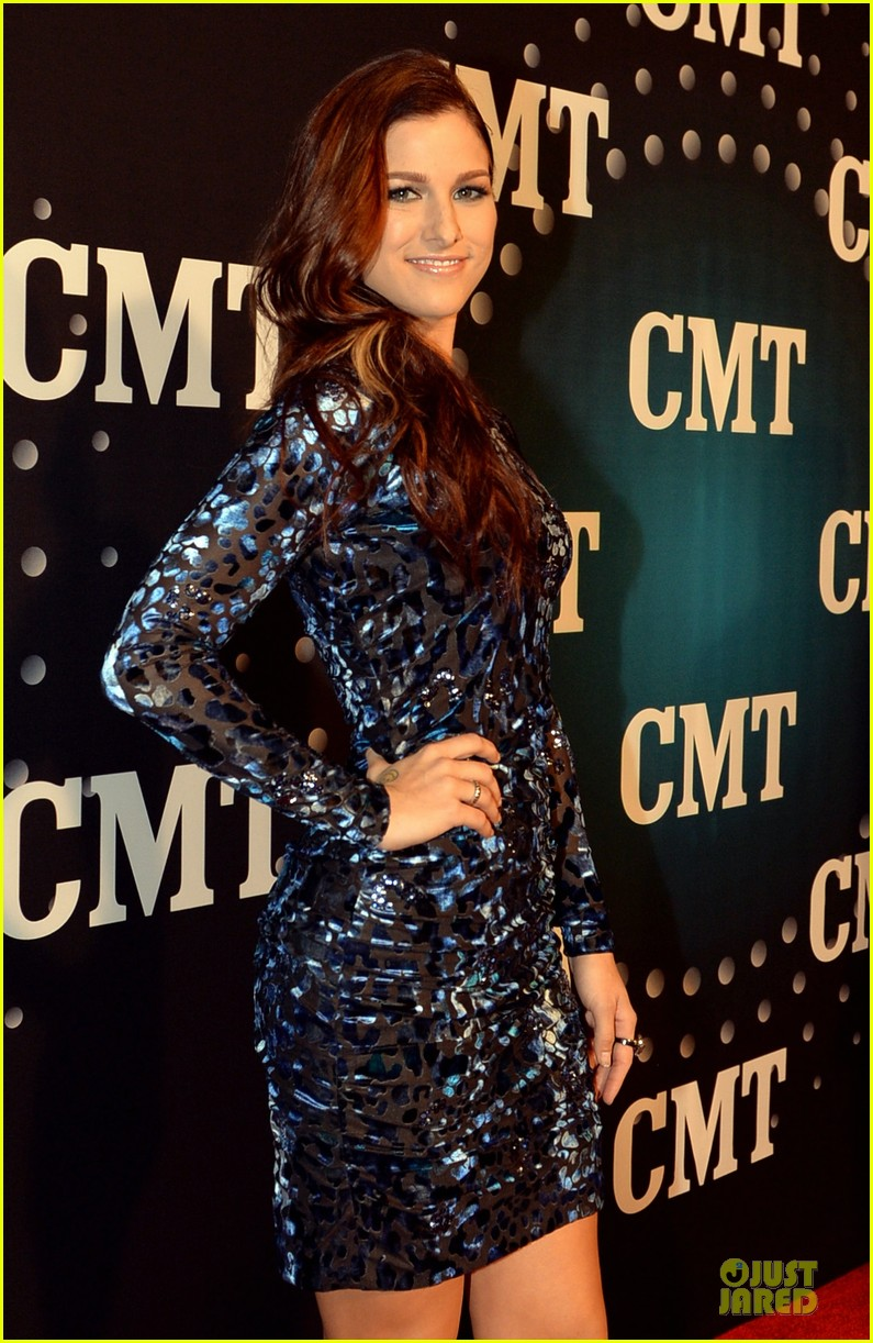 hayden panettiere cassadee pope cmt artists of the year 2013 213004677