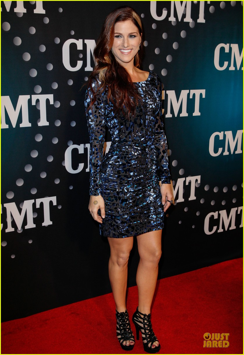 hayden panettiere cassadee pope cmt artists of the year 2013 243004680