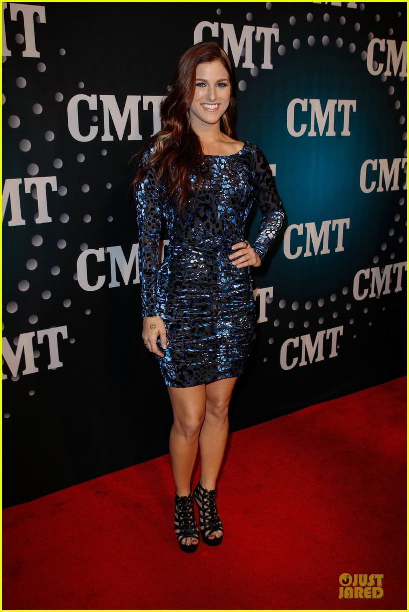 hayden panettiere cassadee pope cmt artists of the year 2013 26