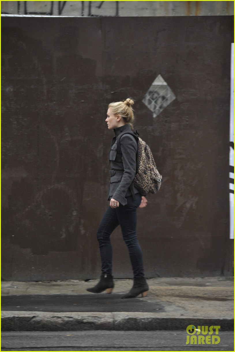 anna paquin steps out before stephen moyers live sound of music 083005562
